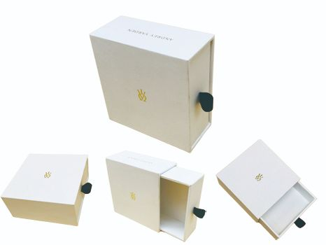 White drawer box for watch